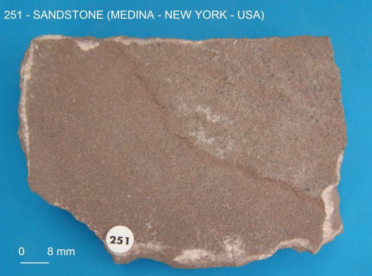 GMGA - Grupo de Mineralogia e Geoquímica Aplicada - 969