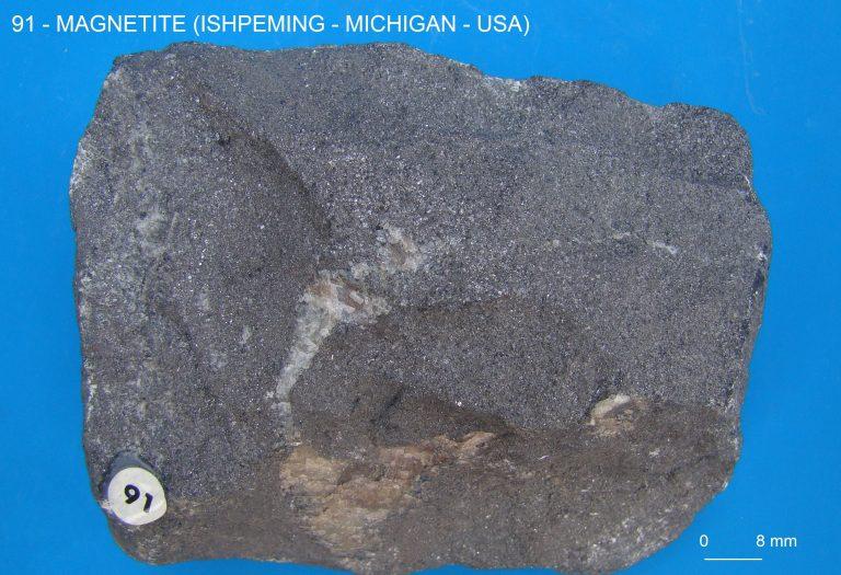 GMGA - Grupo de Mineralogia e Geoquímica Aplicada - 322